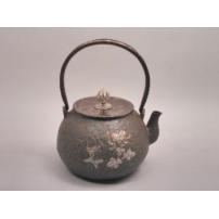 日本 南部铁器 蜡型铁壶 宝珠形菊地纹 南鐐盖
