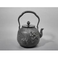 日本 南部铁器 蜡型铁壶  宝物花纹