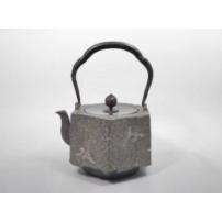 日本 南部铁器  蜡型铁壶 六角形 折鶴银镶嵌