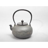 日本 南部铁器 蜡型铁壶  樱川